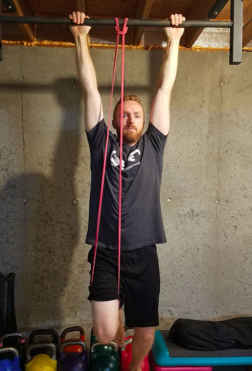 band assisted pull-up knee bottom position