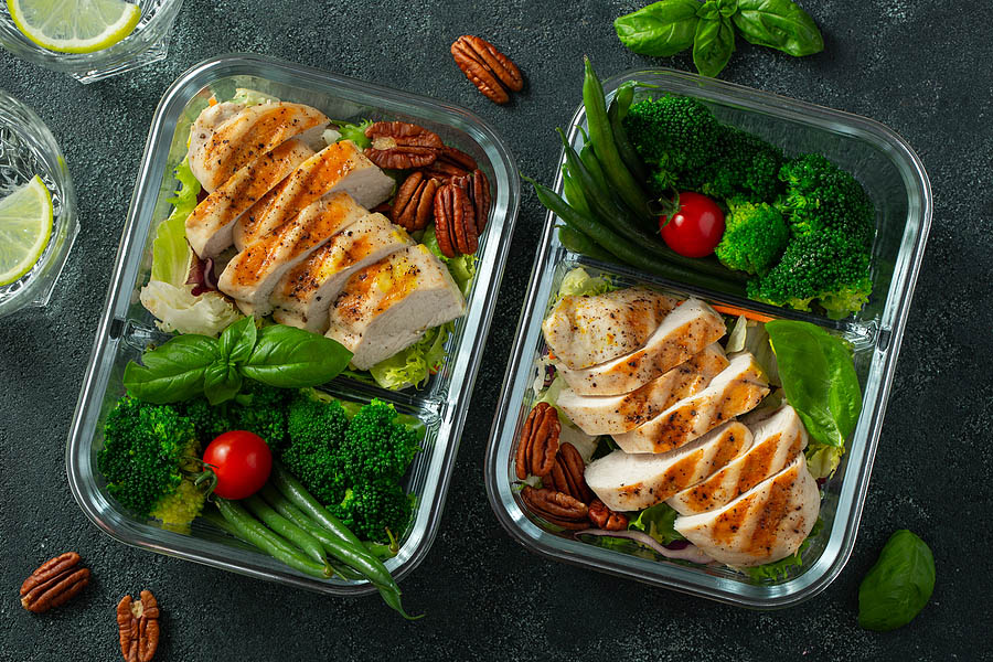 clean eating meals in meal prep containers