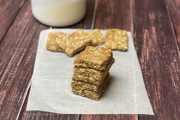 homemade vanilla almond protein bars (no bake)